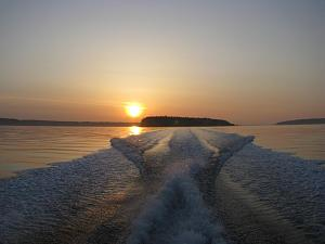 Click image for larger version  Name:sunset cruise.jpg Views:7 Size:102.8 KB ID:1537