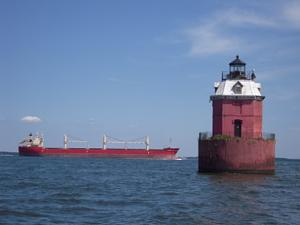 Click image for larger version  Name:Sandy Point Light.jpg Views:20 Size:35.7 KB ID:3078